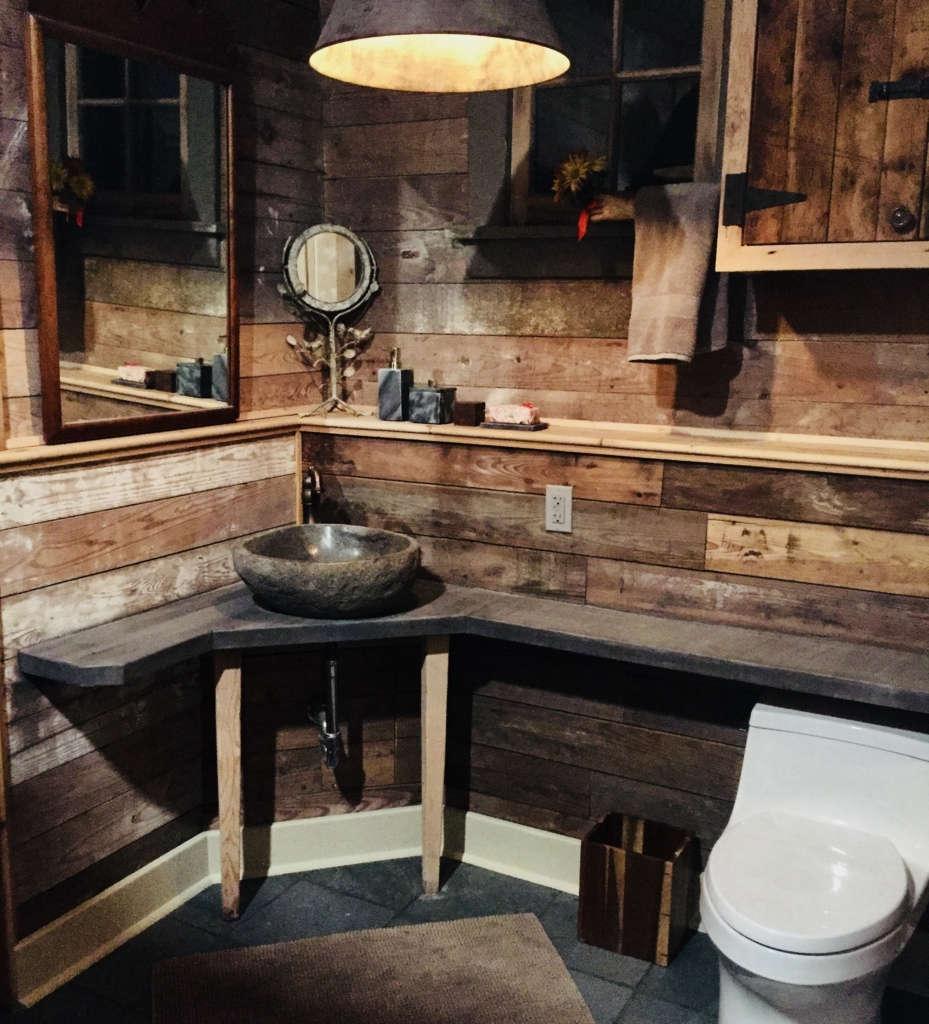 glen hollow guesthouse bathroom 9