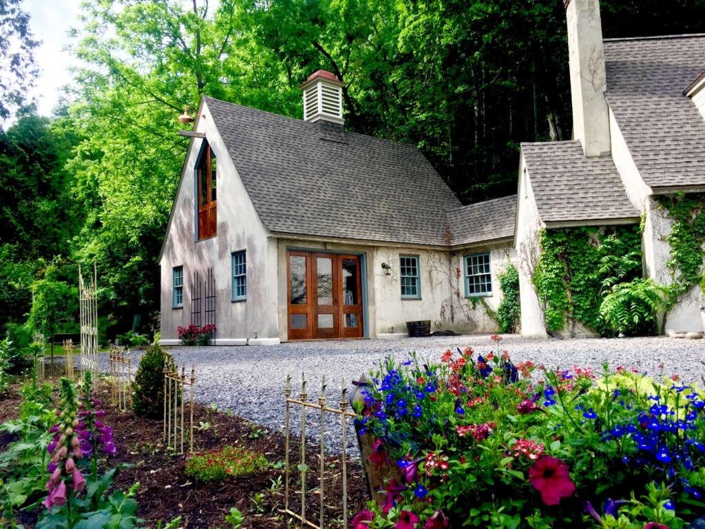 glen hollow guesthouse exterior 18