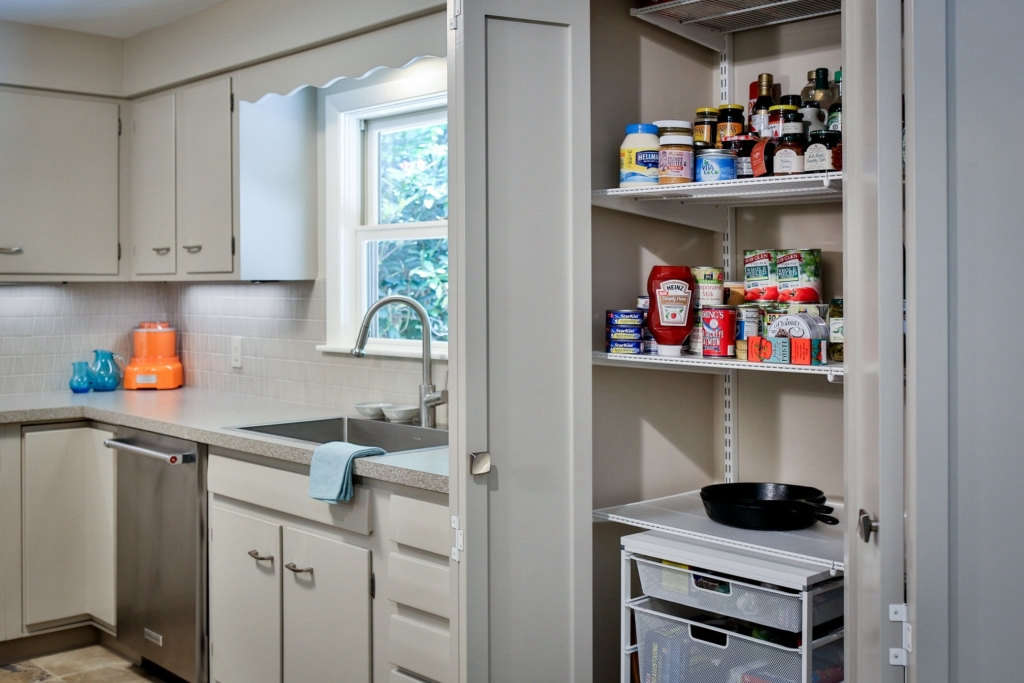 mid century kitchen sink and pantry 11