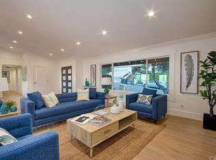 comfortable living area 13