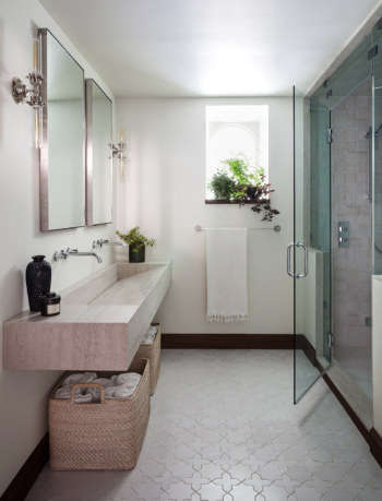 Monterey Heights Guest Bathroom by SVK Interior Design