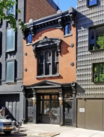 Empire Engine firehouse facade in Brooklyn, restored by Dameron Architecture